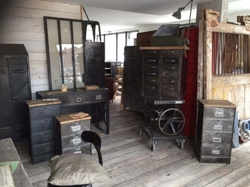 Simple Meuble Chambre Industriel Chambre Style Loft Industriel Un Open Space Athenes With